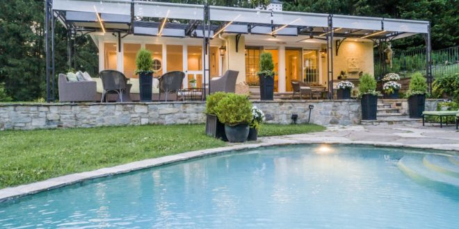 Summer Pleasures From the Pool House